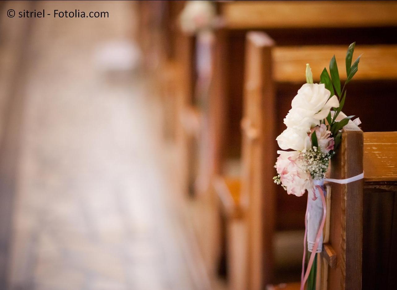 Hier finden Sie Informationen zur kirchlichen Trauung – #132524576 | © sitriel - Fotolia.com